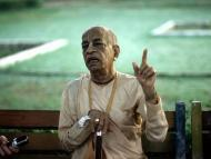 Fluidity in Guru-tattva