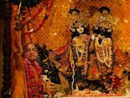 Pancaratrika-vidhi versus Bhagavad-vidhi