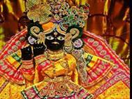 Krishna in jeans: Head priest sacked