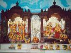 Pune-ISKCON-oltar.jpg
