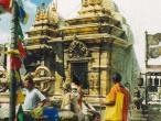 Svayambhu-stupa12.jpg