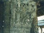 Varadaraja-temple-pilar.jpg