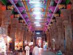 Madhurai Menakshi temple 138.jpg