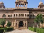 Vrindavan - Jaipur temple 022.jpg