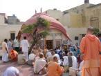 Radha Damodara temple 006.jpg