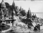 Manikarnika Ghat on River Ganges Benares 1922.jpg