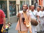 Hanumatpresaka Swami, Harinam in Madrid 07.jpg