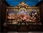 Chowpaty temple 019.jpg