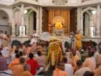 3 Srihrar Swami in Srila Prabhupada samadhi.JPG