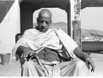 Srila Prabhupada black, white 186.jpg