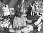 Srila Prabhupada black, white 218.jpg
