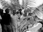 Srila Prabhupada black, white 392.jpg