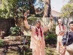 Devamrita Swami 163.jpg