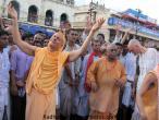 Radhanatha Swami 071.jpg