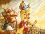 Krishna Arjuna blow conches 2.jpg
