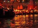 Ganga river arati 14.jpg