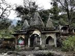 Maharishi Mahesh Yogi's ashram, here stay Beatles 09.jpg