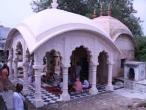 Sanatana Goswami Samadhi 05.jpg