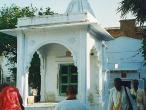 samadhi of Lokanath Goswam.jpg