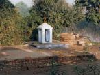 Mana Sarovara Siva Temple.jpg