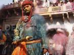 Lathmar Holi at Nandagram 02.jpg