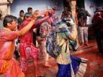 Lathmar Holi at Nandagram 15.jpg