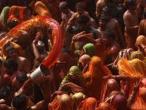 Lathmar Holi at Nandagram 22.jpg