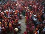 Lathmar Holi at Nandagram 52.jpg