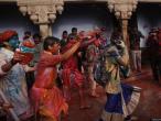 Lathmar Holi at Nandagram 60.jpg