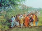 Asesavan with Indradyumna Swami 01.jpg