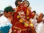Baladeva goes to chariot.jpg