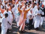 KK Swami leads kirtana 2.jpg