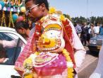 Subhadra-goes-from-car.jpg