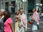 ISKCOn Madrid harinam 01.jpg